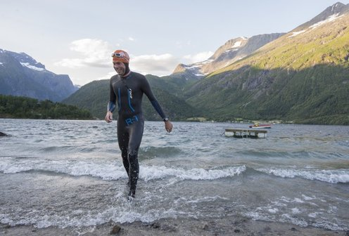 Fjord Xtreme Triathlon: Finishing the swim